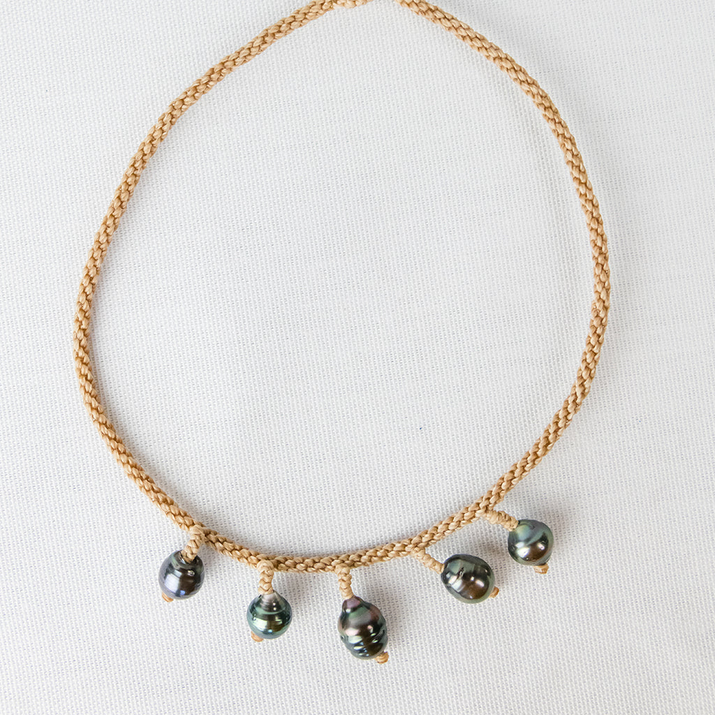 Beige Choker with Five Baroque Tahitian Pearls around the Neck