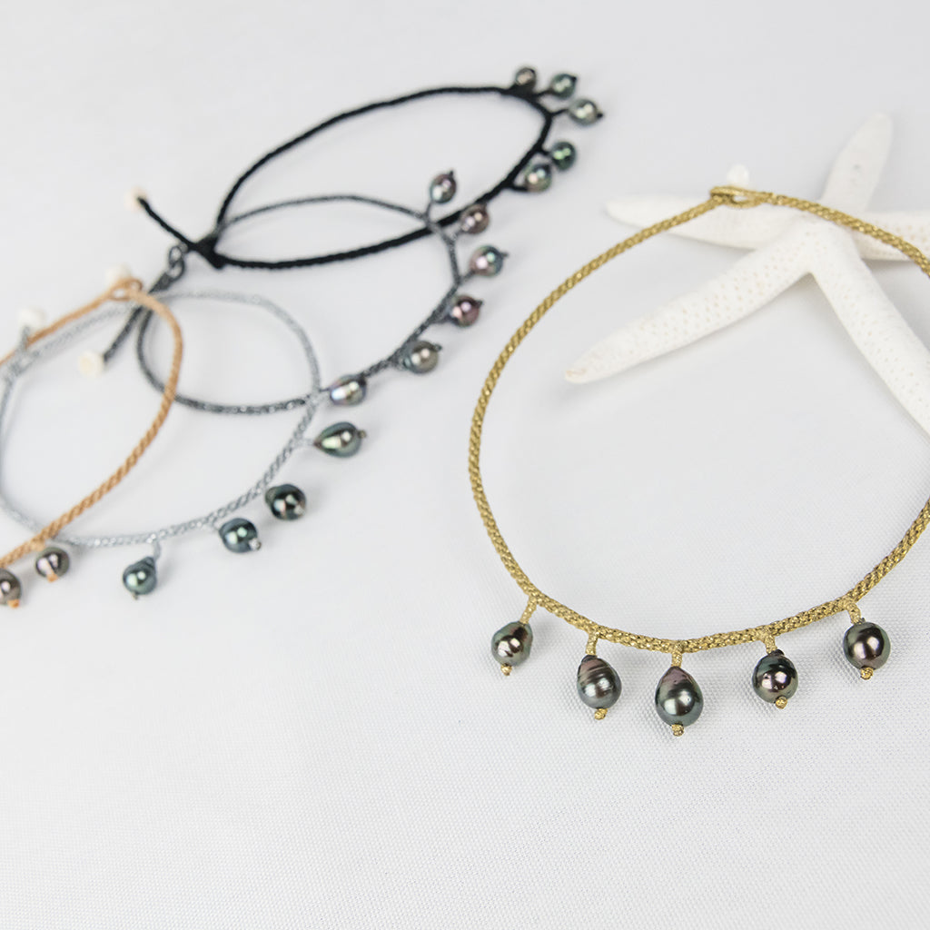 Chokers with Five Baroque Tahitian Pearls around the Neck