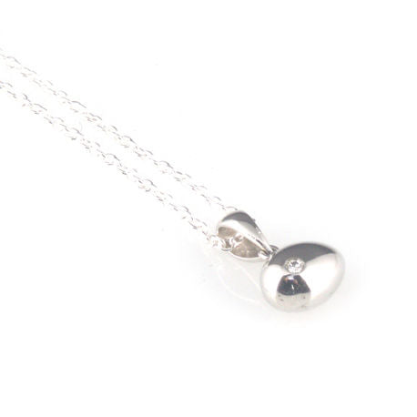 'Best Before' - 0.8cm gross silver egg pendant with diamond