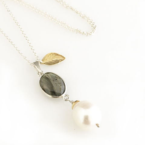 'Pearl Wonder' - labradorite with pearl necklace with gold leaf