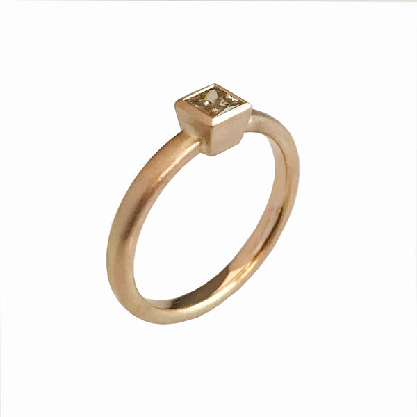 'Gem Amour' - Rose gold ring with brown diamond