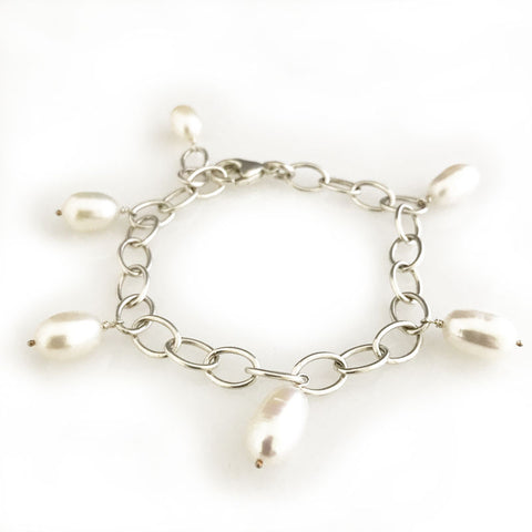 'Pearl Wonder' - Silver bracelet with 6 pearls