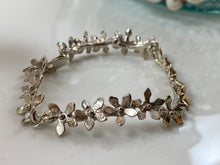 Load image into Gallery viewer, Bracelet flowers