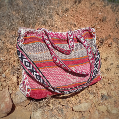 CUSCO bag made of natural dyed wool