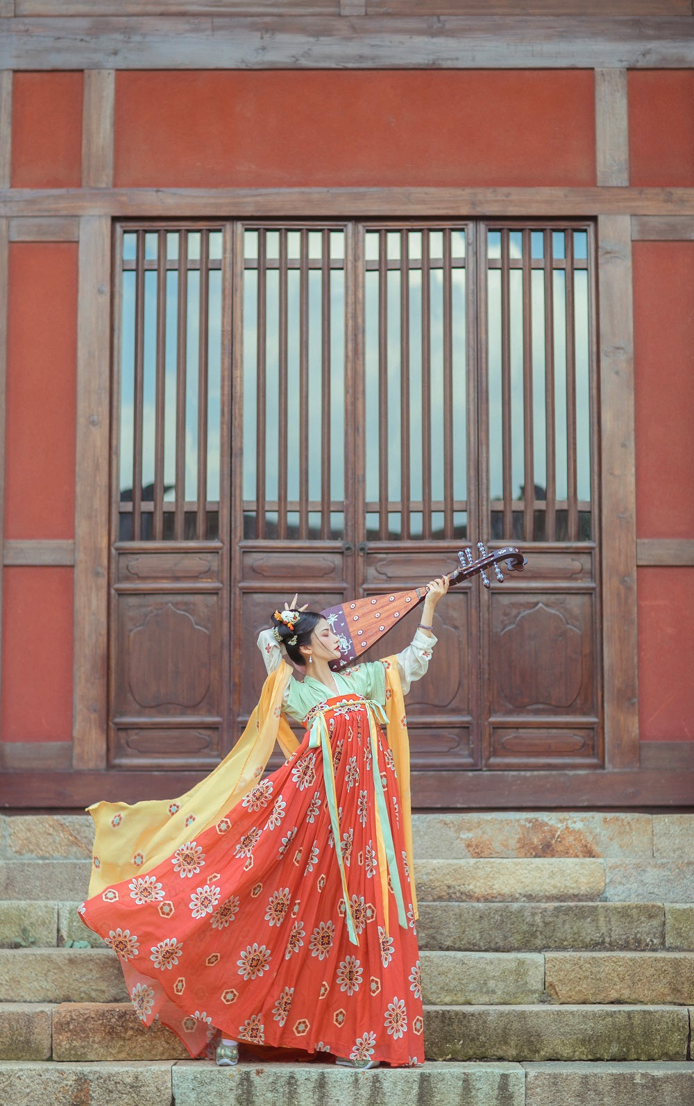 Handmade Embroidery Floral Women Hanfu Dress Cosplay Costume Vintage Stage Show Clothes 3 Pieces Set - YUHUAN