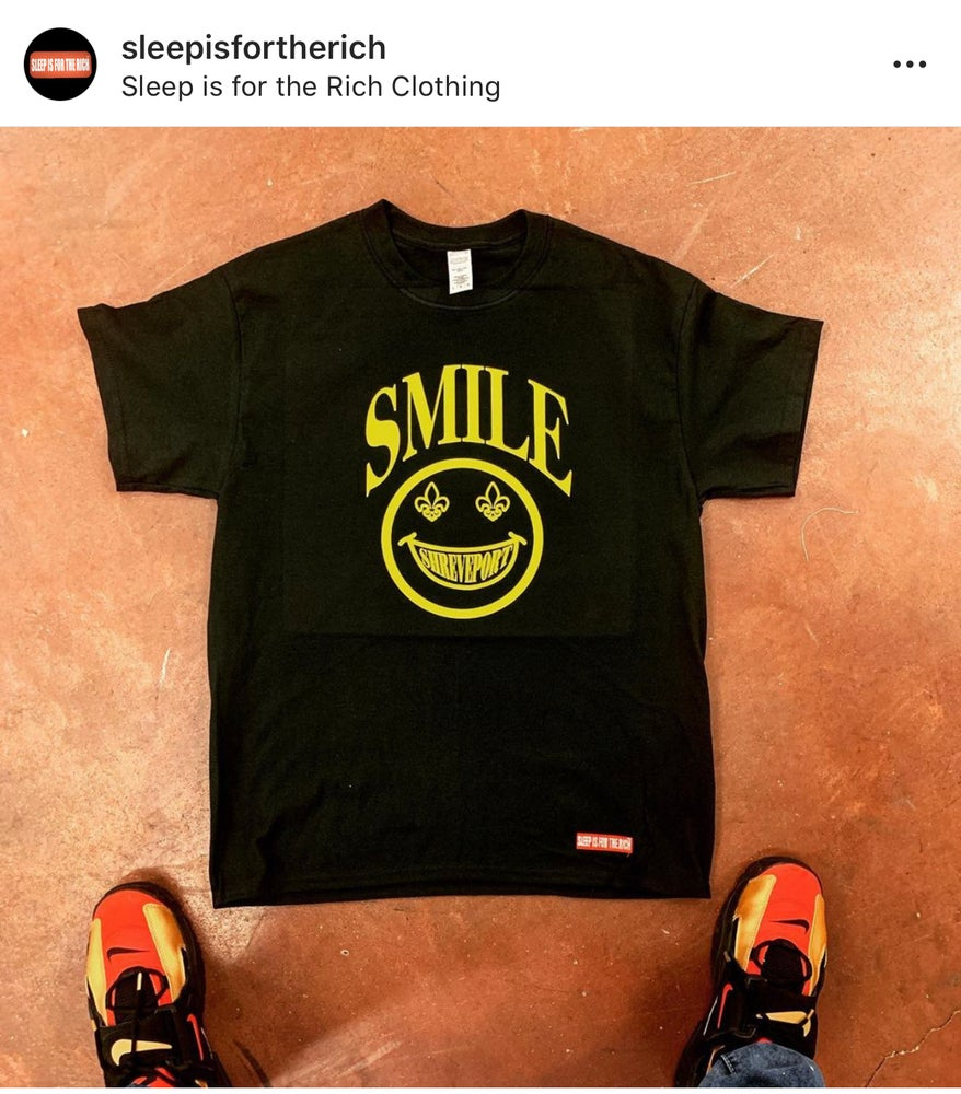 "(Black) ""SMILE SHREVEPORT"" Crewneck Tee"