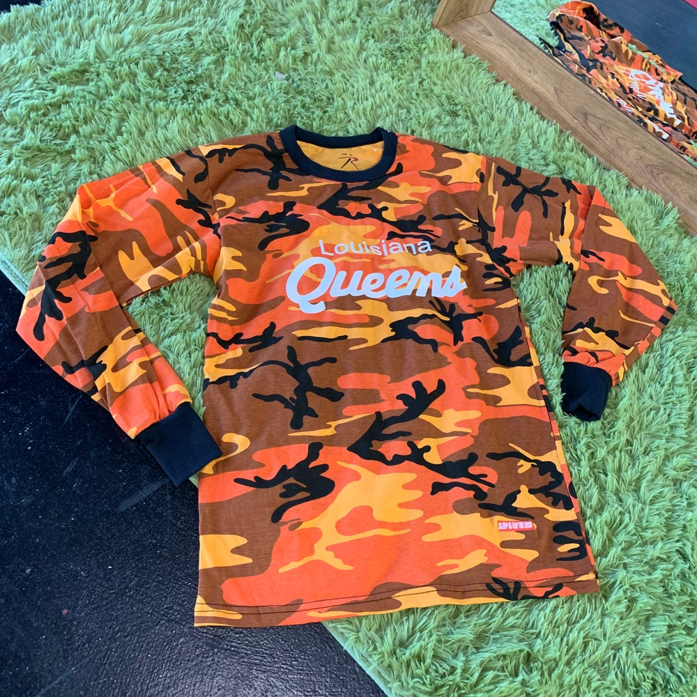 "(HotOrangeCamo) ""Louisiana Queens"" Long-Sleeved Tee"