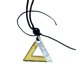 Collier triangle or blanc