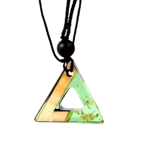 Collier triangle or vert