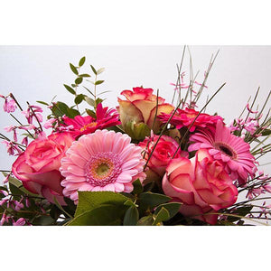 Flower arrangement in Pink Shades