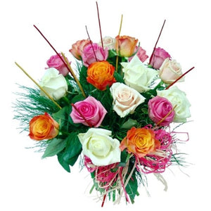 Bouquet of 18 roses in white, pink and orange shades to impress the recipients.
