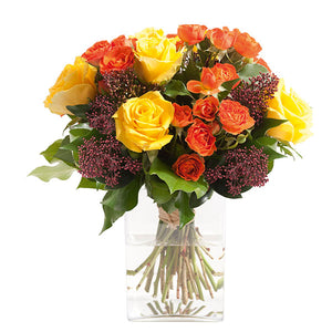 A bouquet inspired by the colors of autumn to send the warmest wishes to your loved ones.
