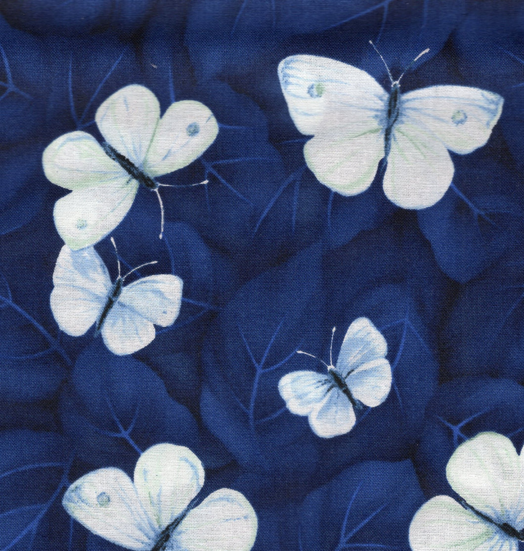 Vintage Sonnet Butterflies / Navy any626
