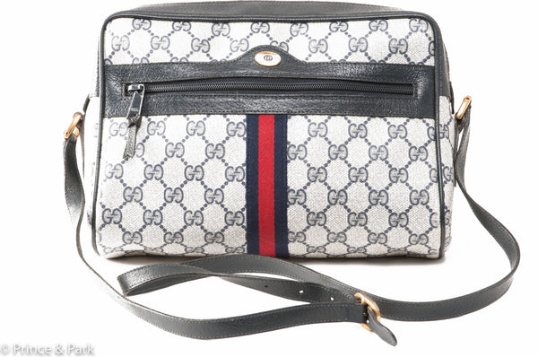 GG  Shoulder Bag