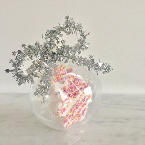 1 Bauble, Strawberry Christmas Tree