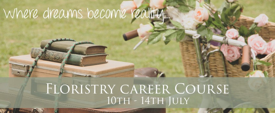 https://www.thecambridgeflowerschool.co.uk/collections/wedding-floristry-courses/products/church-flowers-workshop