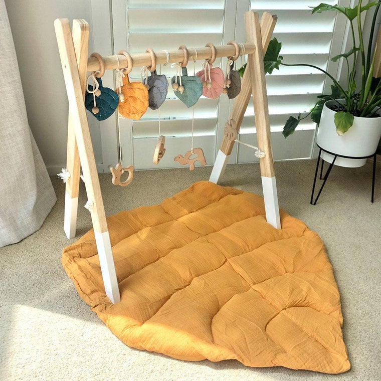 Cotton Muslin Leaf Playmat : Ochre