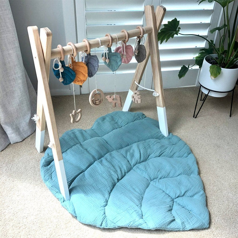 Cotton Muslin Leaf Playmat : Sea Blue