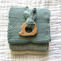 Muslin Teether with Wooden Hedgehog : Sage Toys Ecosprout