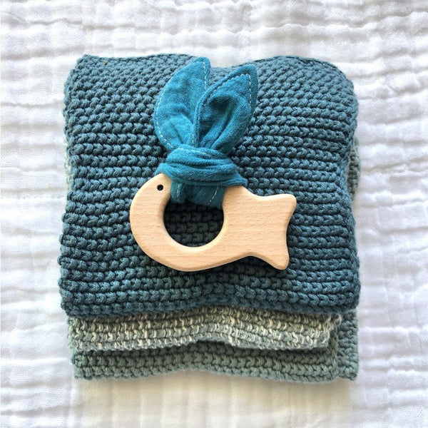 Muslin Teether with Wooden Fish : Teal Toys Ecosprout