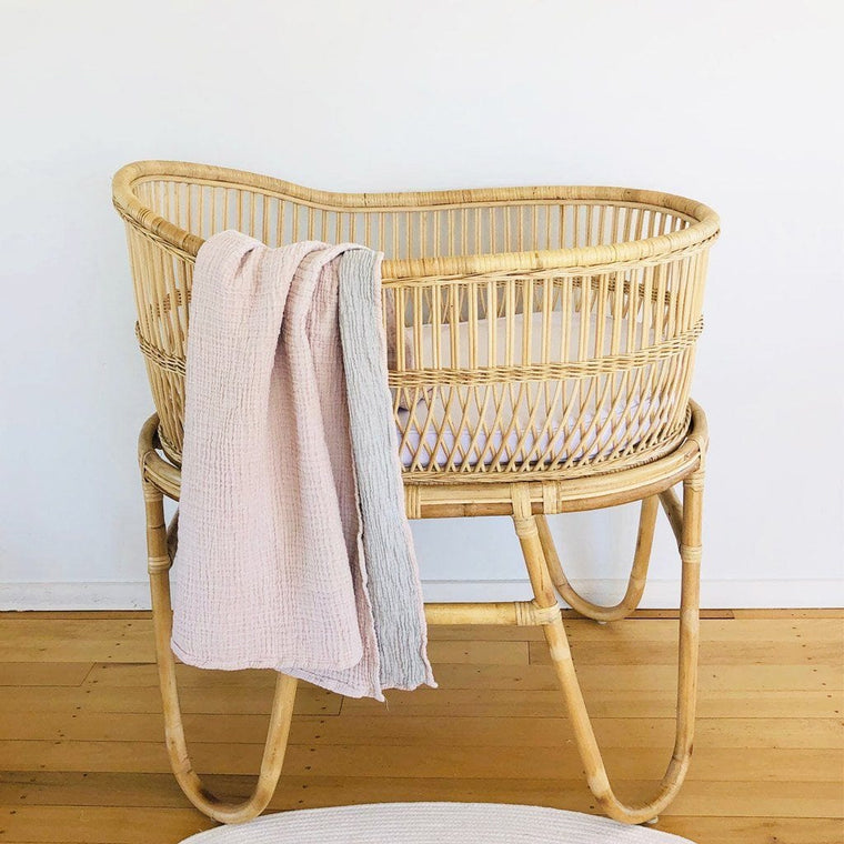 Rattan Bassinet: Malawi (Pre-Order : January Delivery)