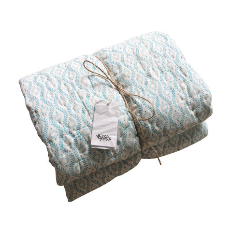 Reversible Cot Quilt : Kingfisher Vines