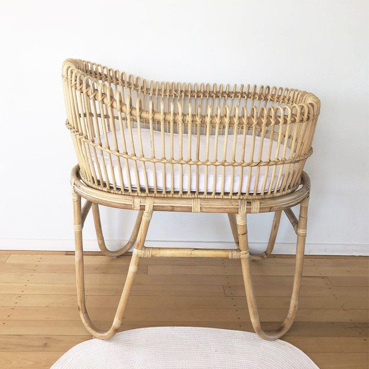Rattan Bassinet : Sweet Dreams