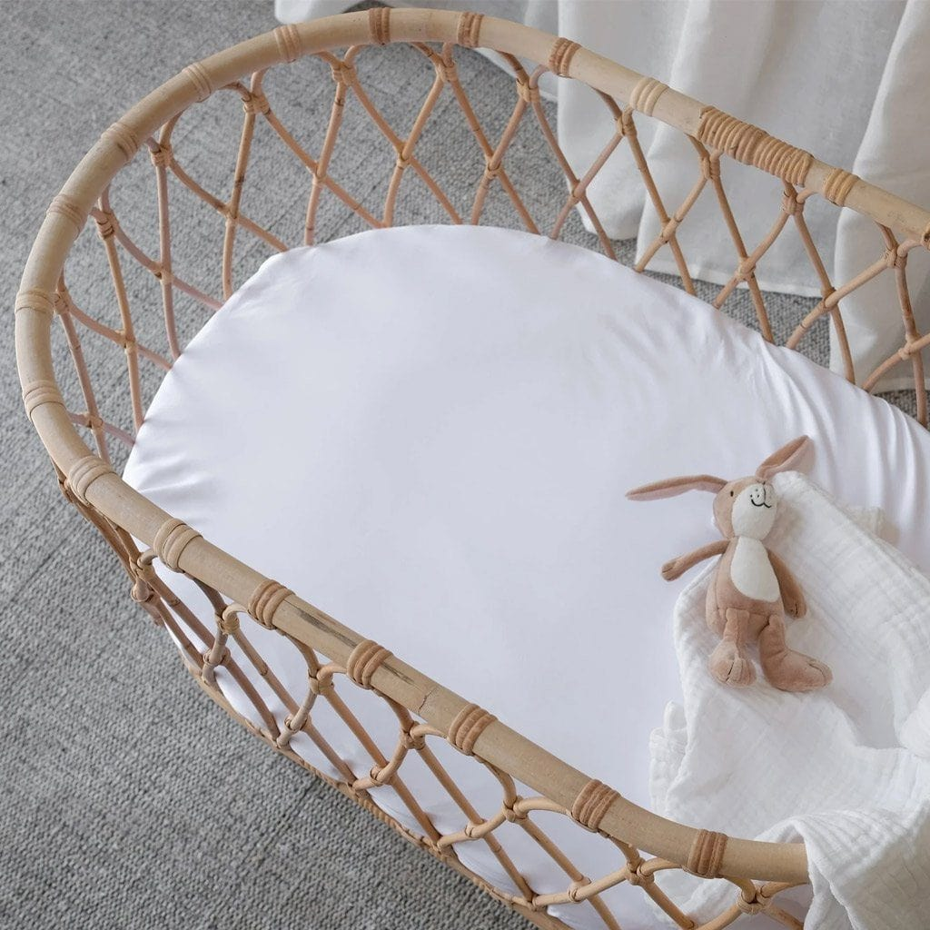Organic Bamboo Bassinet Fitted Sheet : White Sheet Mulberry Threads