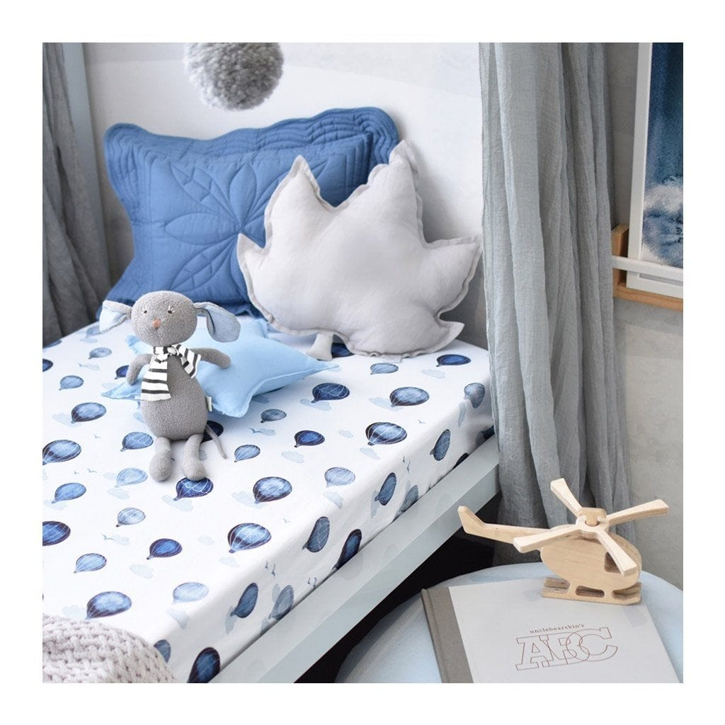 Fitted Cot Sheet : Cloud Chaser