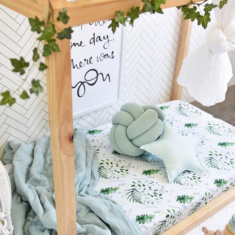 Fitted Cot Sheet : Enchanted