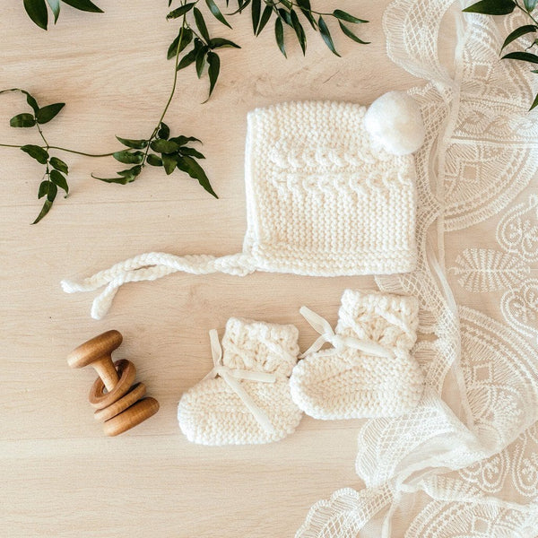 Merino Bonnet and Booties Set : Ivory Baby Accessory Snuggle Hunny Kids
