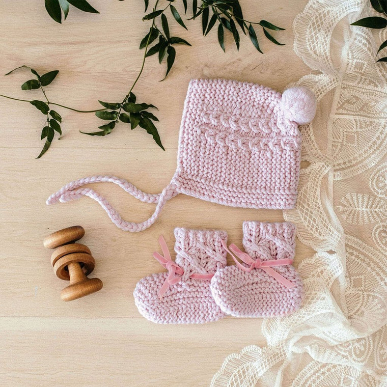Merino Bonnet and Booties Set : Pink