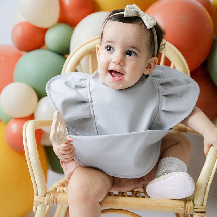 Waterproof Snuggle Hunny Bib: Dove Frill