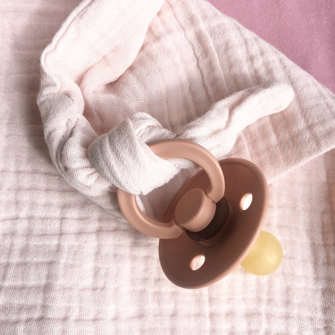 Bella Muslin Bunny Comforter: Blush Toys Ecosprout