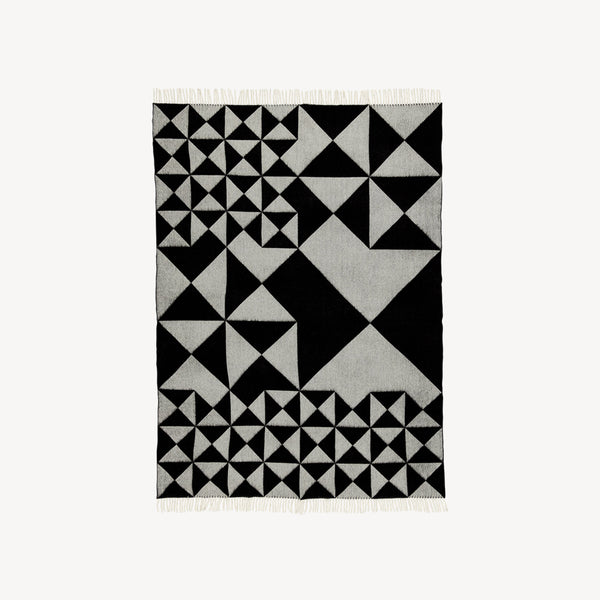 Mirror Throw - Black