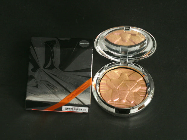 MAC EXTRA DIMENSION SKINFINISH - SNOWFLUSHED - BNIB - SHINY PRETTY THINGS