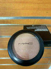 Authentic MAC* EXTRA DIMENSION SKINFINISH * SHOW GOLD * NEW IN BOX