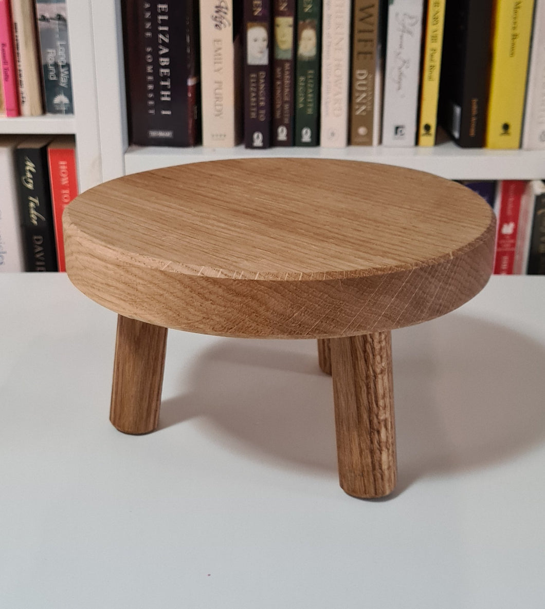 Solid Oak Low Stand 22cm