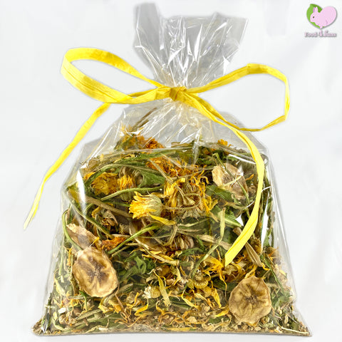 The Spring Mix with self dried Dandelions and banana chips, Calendulas, Chamomile, Chickweed and Yarrow Flowers for rabbits, guinea pigs, chinchillas, hamsters, degus and gerbils