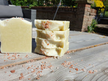 Load image into Gallery viewer, Irish moss Soap 3