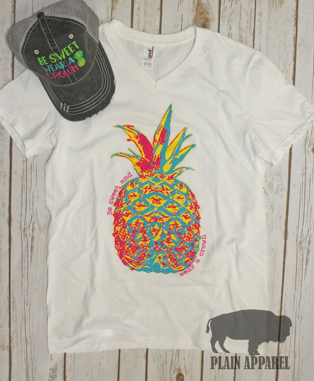 "WHITE Pineapple V-Neck Neck ""Be Sweet & Wear A Crown"" - Bless UR Heart Boutique"
