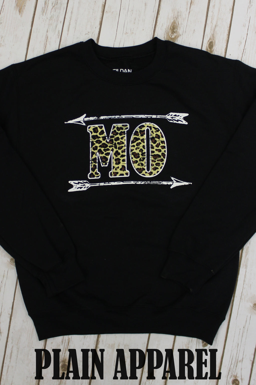 Leopard MO Arrow Sweatshirt - Bless UR Heart Boutique
