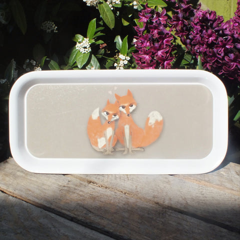 Melamine tray featuring a couple of foxes