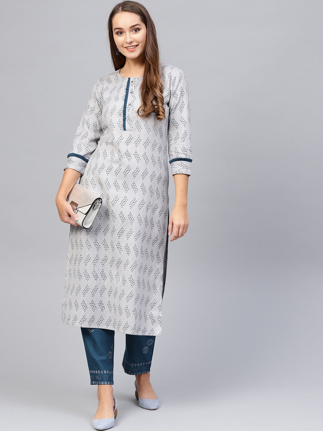 Women Grey & Navy Printed Kurta with Trousers