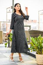 Load image into Gallery viewer, Yufta Women Black and White Yarn Dye A-Line Kurta