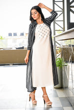 Load image into Gallery viewer, Yufta Women Black and White Yarn Dye Jacket with Sleeveless Inner