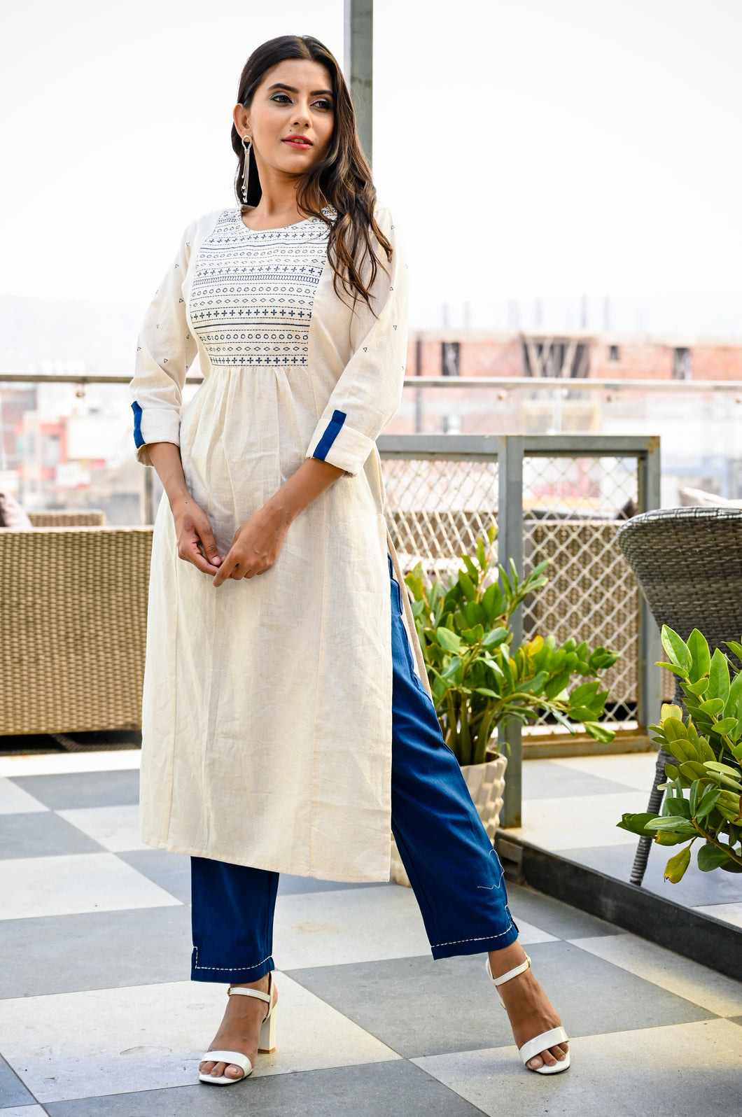 Yufta Women Offwhite and Blue Solid Kurta with Embroidery and Trousers