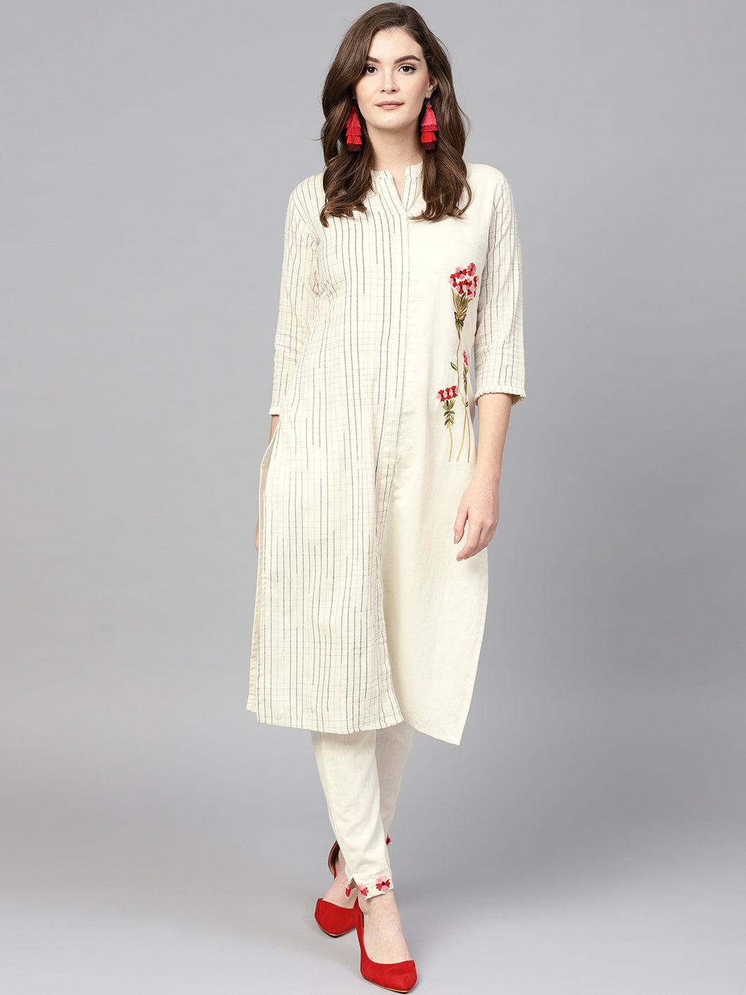 Yufta Women Off-White Checked Kurta with Trousers