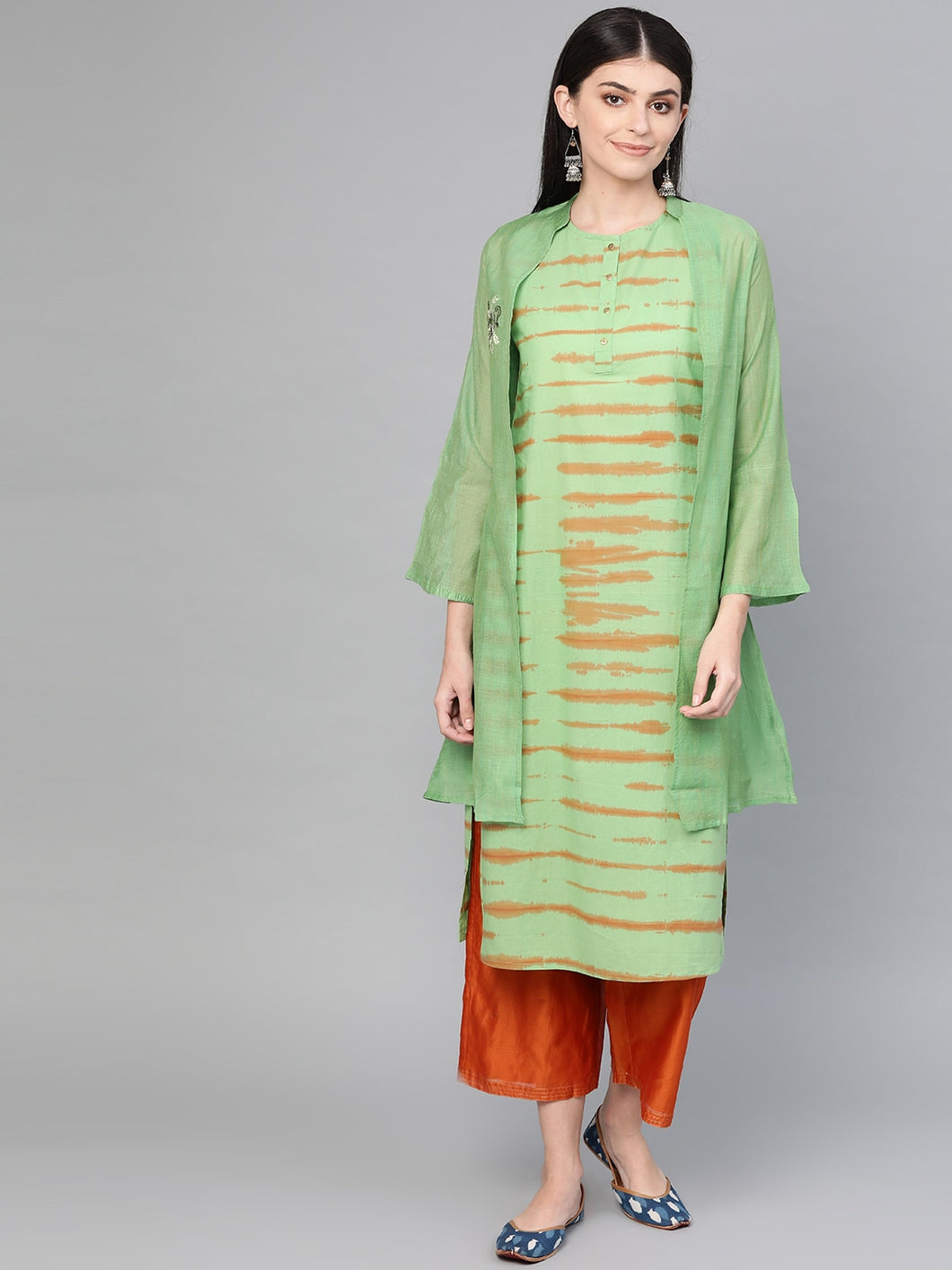 Women Green & Brown Hand Dyed Straight Kurta with Ethnic Jacket
