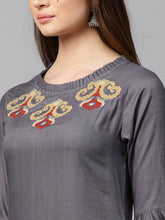 Load image into Gallery viewer, Women Grey & Maroon Solid Kurta with Trousers